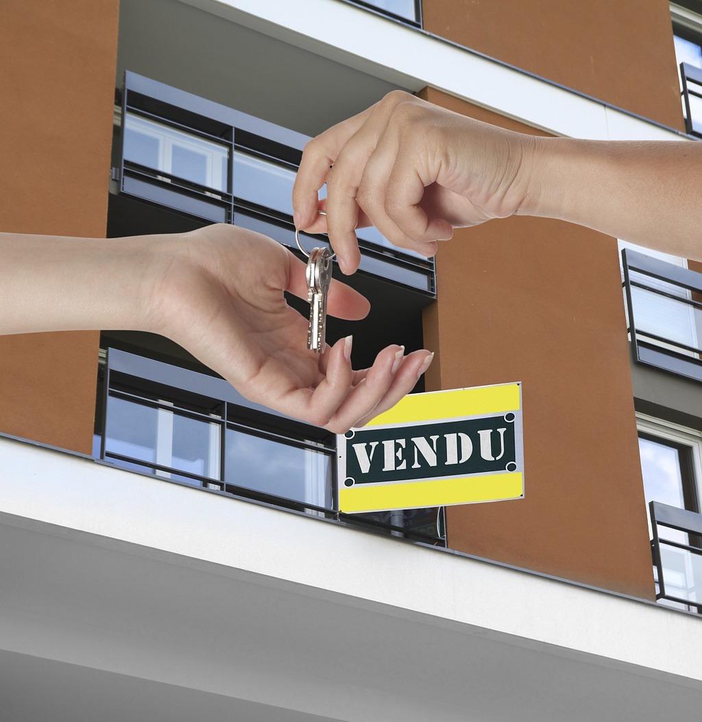 Grâce à un courtier immobilier, les vendeurs concluent leur vente plus rapidement